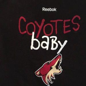 REEBOK NWT COYOTES BABY Hockey ONESIE 18 Months